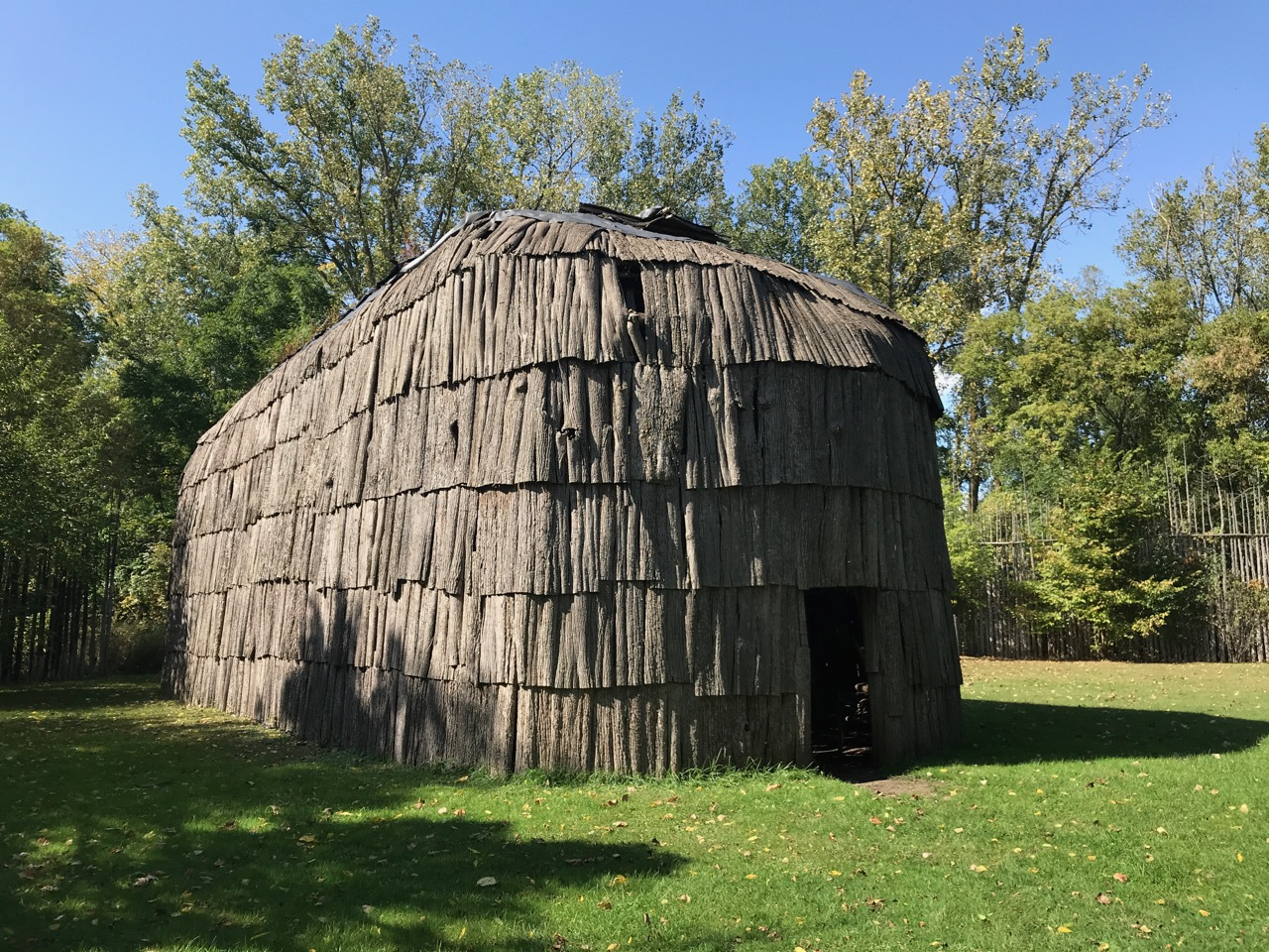 Reproduction longhouse at Kana: to Village, Brantford